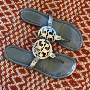 Woman's Silver TORY BURCH Miller Thong Sandals 10
